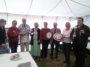 Mervyn Bown, County President awarded the cups and trophies.